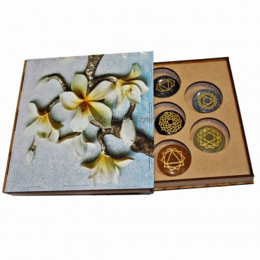 Chakra Set With Flower Design Gift Box