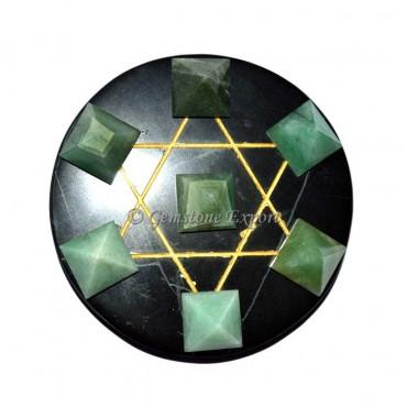 Green Aventurine Pyramids With Black Agate Base
