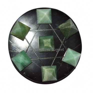 Black Agate With Green Aventurine Pyramids
