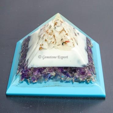 Amethyst With White Rainbow Orgonite Pyramid